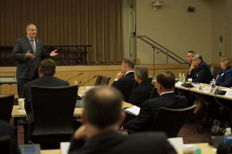 Deputy Secretary of Defense addresses attendees during APEX Senior Executive Orientation Program designed to provide joint orientation for new executives in DOD (DOD/Adrian Cadiz)
