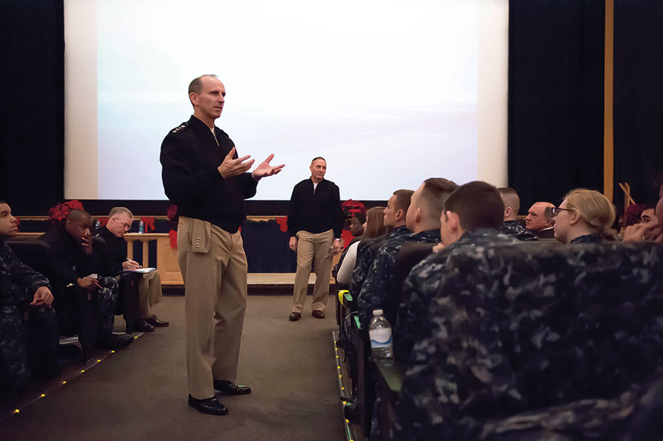 Chief of Naval Operations Admiral Jonathan Greenert and Navy Master Chief Petty Officer Mike Stevens speak to Sailors assigned to Naval Education and Training Command and Training Support Center at Naval Station Great Lakes (U.S. Navy/Peter D. Lawlor)