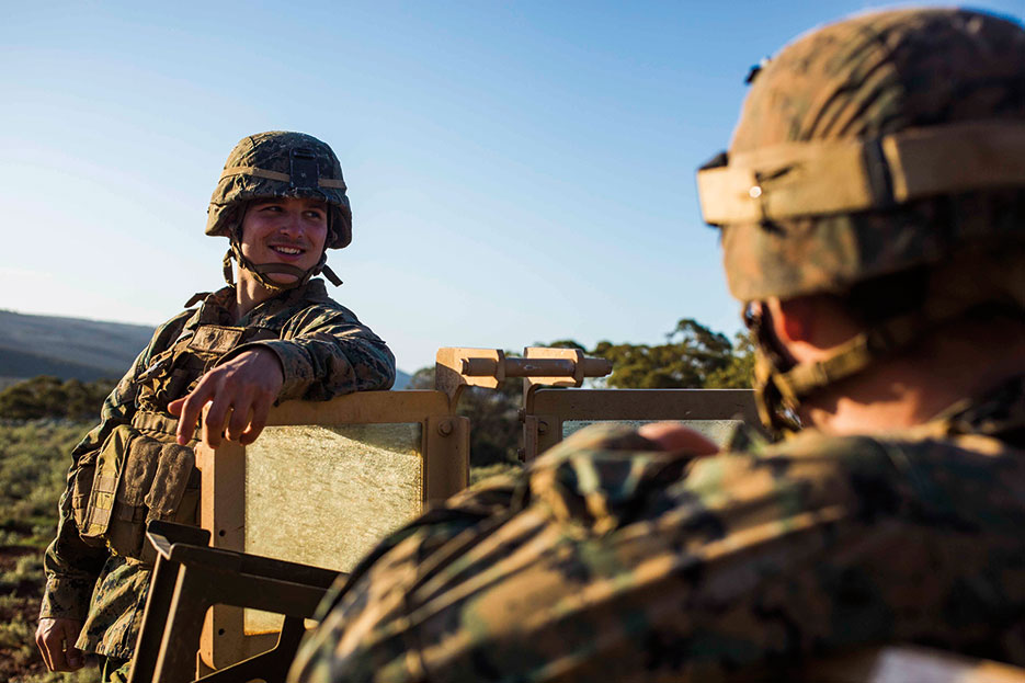 Machine gunner with Weapons Company, 1st Battalion, 1st Marine Regiment, Marine Rotational Force–Darwin prepares to provide security during Exercise Hamel at Cultana Training Area, South Australia, Australia, July 2016 (U.S. Marine Corps/Osvaldo L. Ortega III)</span>