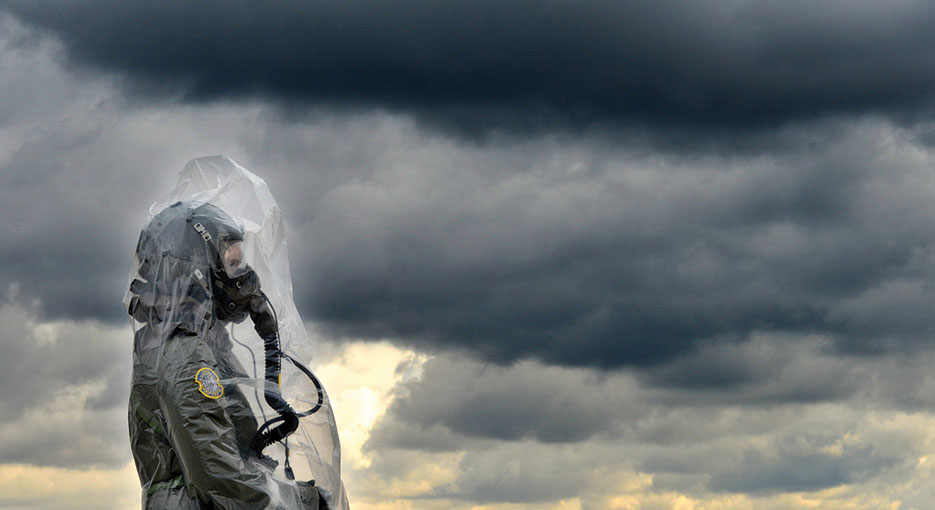 Member of 89th Airlift Squadron during training on CBRN defense techniques, October 4, 2014, Wright-Patterson Air Force Base, Ohio (U.S. Air Force/Frank Oliver)